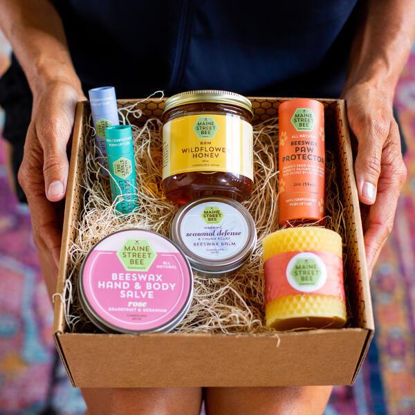 Maine Street Bee Gift Box